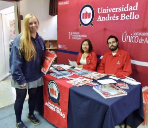 Feria G9: UNAB participa en The Newland School