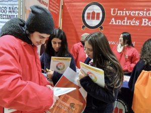 Feria G9: UNAB participa en Universitario Inglés